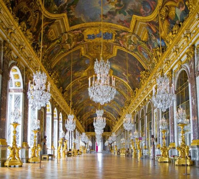 Версаль — великолепный дворец, в котором не было ни одного туалета