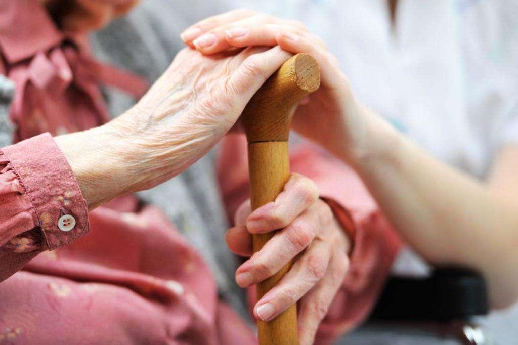Слабые, не креативные, плохо обучаемые: 10 распространенных мифов о старении Интересное