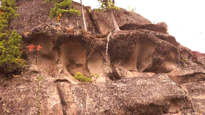 Не пирамиды Хеопса, но не менее грандиозные мегалиты Горной Шории: древние монументальные сооружения в Сибири Интересное