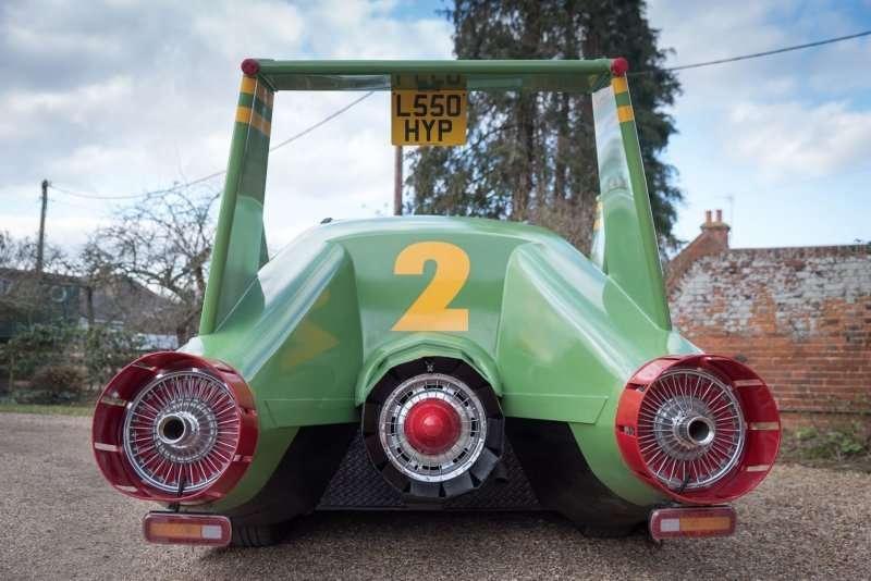 Реплика Thunderbird 2 — самая странная Toyota Previa, которую вы когда-либо видели авто