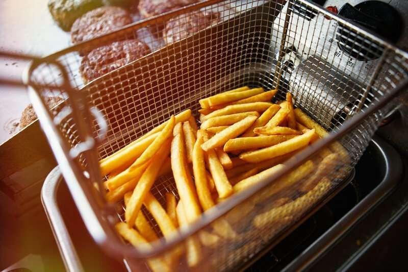 Почему в заведениях фастфуда такой вкусный картофель фри