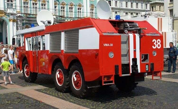 Советско-французский пожарный автомобиль ЗИЛ-Sides VMA-30