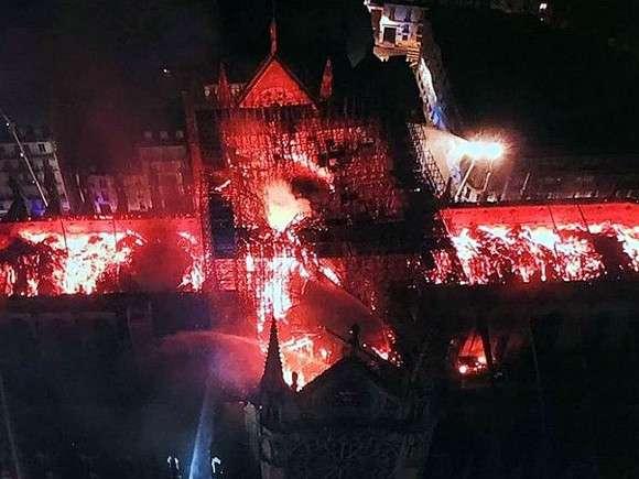 Во Франции начался сбор средств на восстановление Нотр-Дам Нотр-Дам де Пари,общество,пожар,Франция